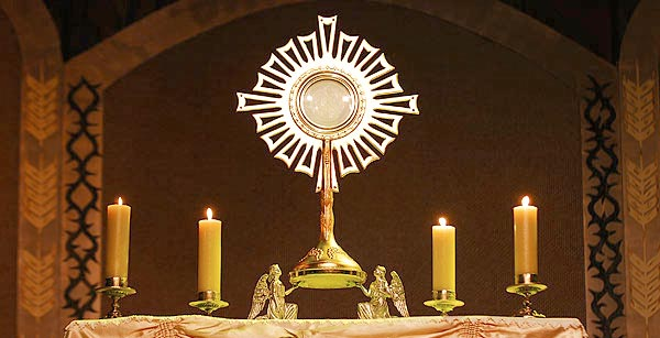 adoration de jesus eucharistie